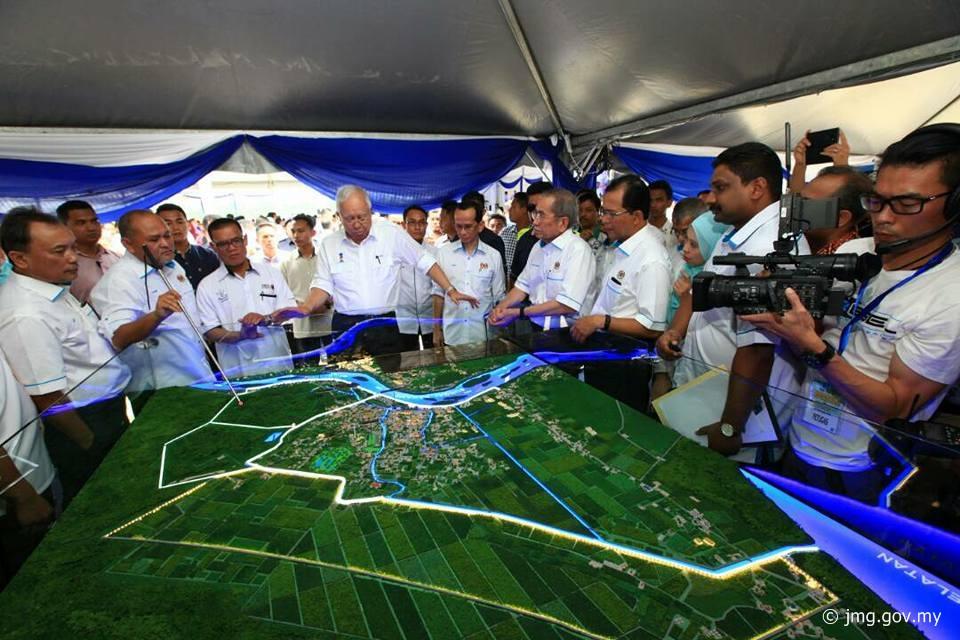 Majlis Pecah Tanah Projek Rancangan Tebatan Banjir Bandar Pekan Fasa II (PARCEL 2)