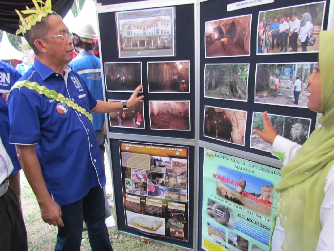 pameran sempena program perhutanan sosial bersama komuniti setempat