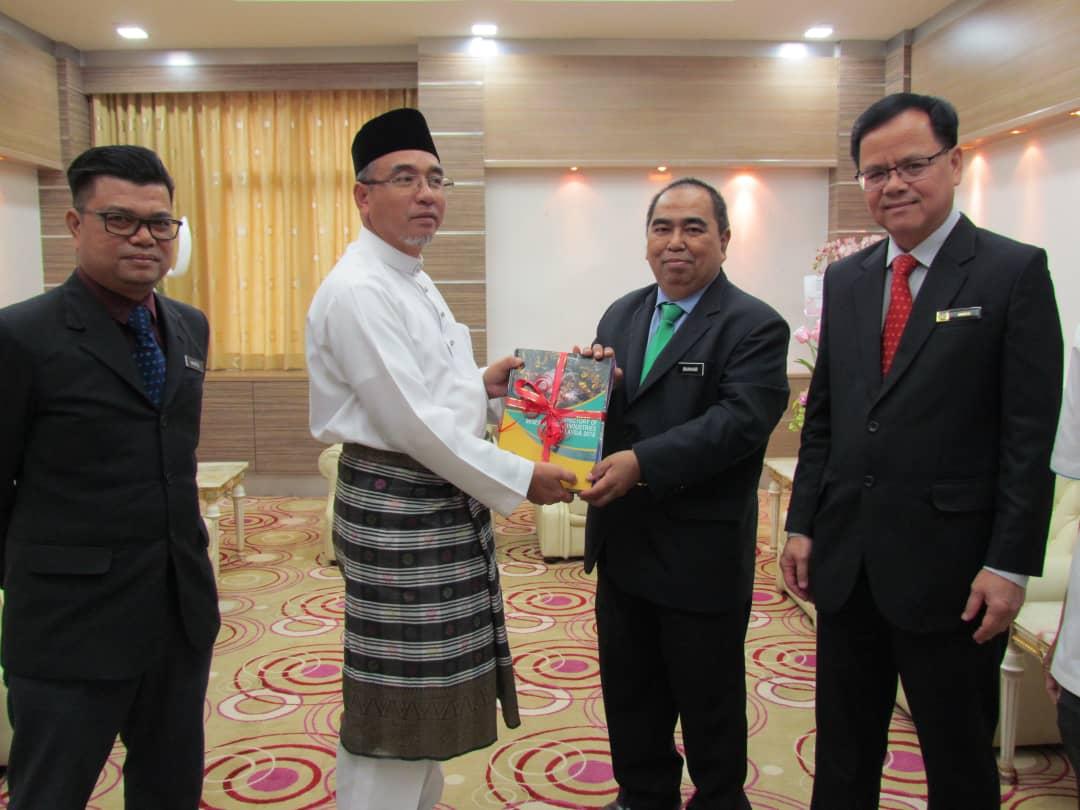 Kunjungan Hormat ke Pejabat Ketua Menteri Melaka