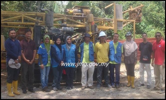 Lawatan Penyelidikan dan Pengambilan sampel di Tapak Carigali Syarikat PMBK Az-Zahab Sdn.Bhd. Chiku, Gua Musang, Kelantan