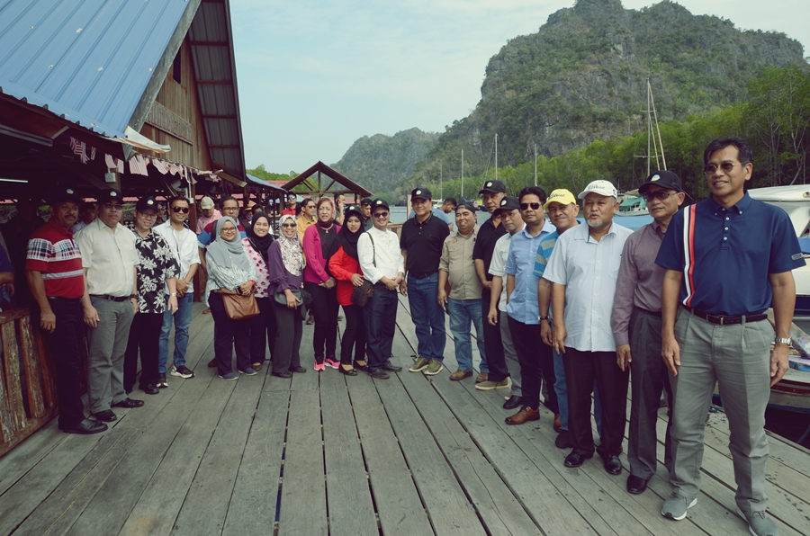 PROGRAM LAWATAN KE KILIM GEOFOREST PARK SEMPENA PROGRAM PENYELARASAN KATS MANAGEMENT RETREAT 2020