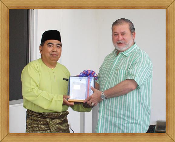 Lawatan Kunjungan Hormat Pengarah JMG Johor Ke Istana Johor
