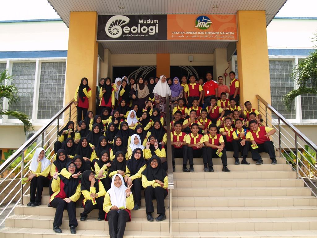 MRSM Lenggong Ke Muzium Geologi