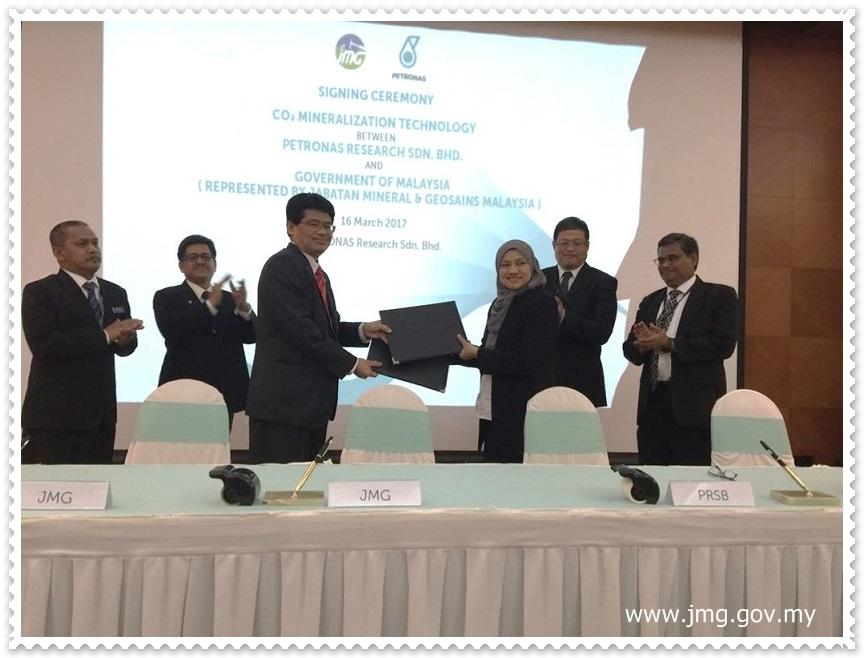 Majlis Menandatangani Perjanjian Persefahaman (MoU) antara Jabatan Mineral dan Geosains (JMG) dan Petronas Research Sdn Bhd (PRSB)