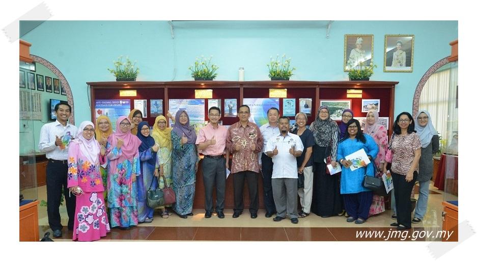 SESI PERKONGSIAN ILMU ANTARA KEMENTERIAN PENDIDIKAN MALAYSIA DENGAN PUSAT PENYELIDIKAN MINERAL IPOH