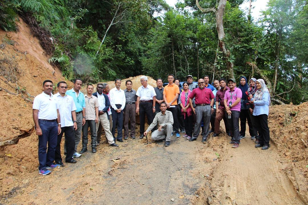 JMG KPP Tinjau Tanah Runtuh Di Taman Rimba Bukit Mertajam